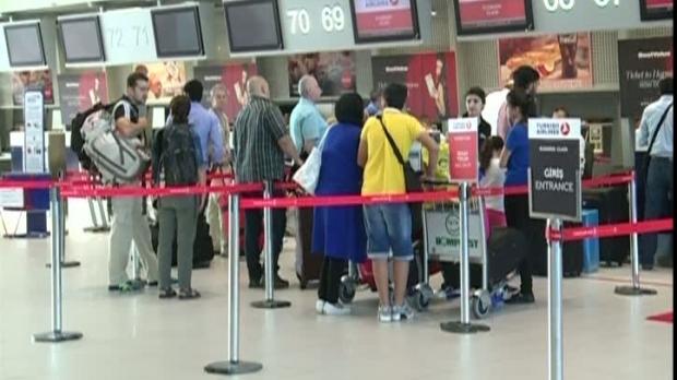 Femeie jefuită pe aeroportul din Timişoara, în timpul controlului de securitate