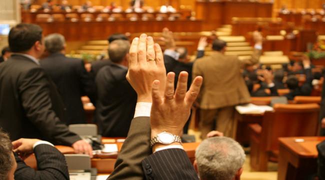 Proiectul bugetului de stat intră în dezbaterile din plenul Parlamentului