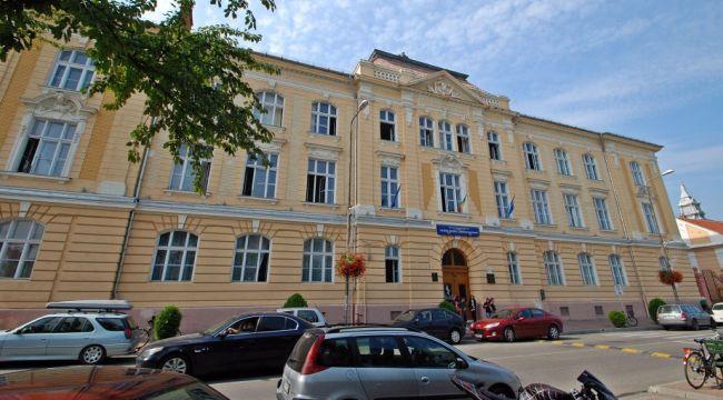 Elevii de la Brediceanu donează 11.523 de lei Spitalului Municipal Lugoj