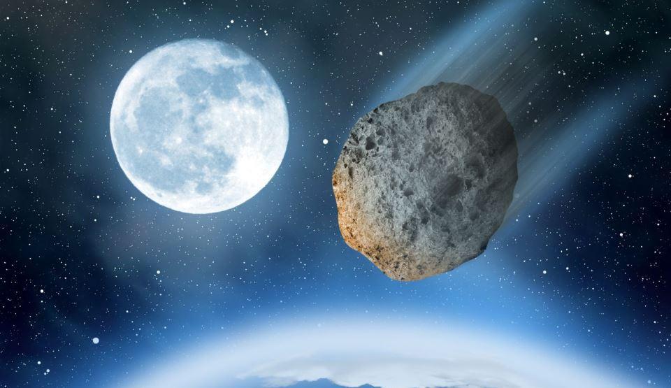 Trei asteroizi vor trece razant pe lângă Pământ în seara de Revelion