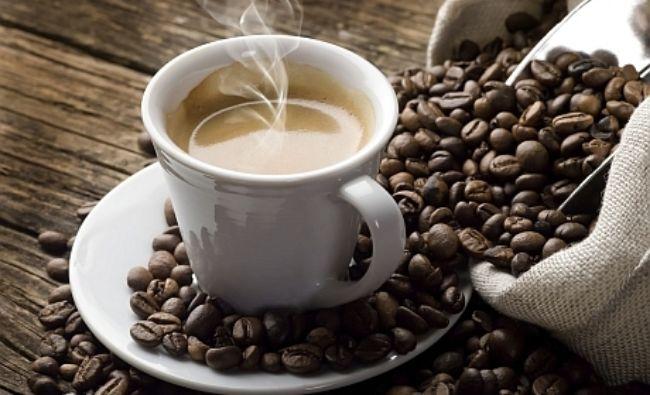 Nu mai bea cafea dacă ai luat aceste pastile! Îți distrugi ficatul imediat