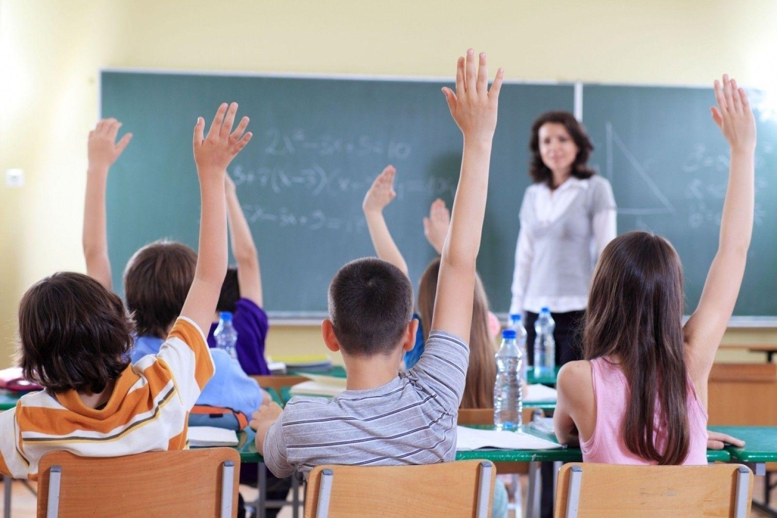 Noi controale ISU la Liceul German din Arad. 18 copii au ajuns la spital