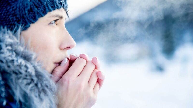 De ce e bine să stăm în frig: beneficii pentru sănătate