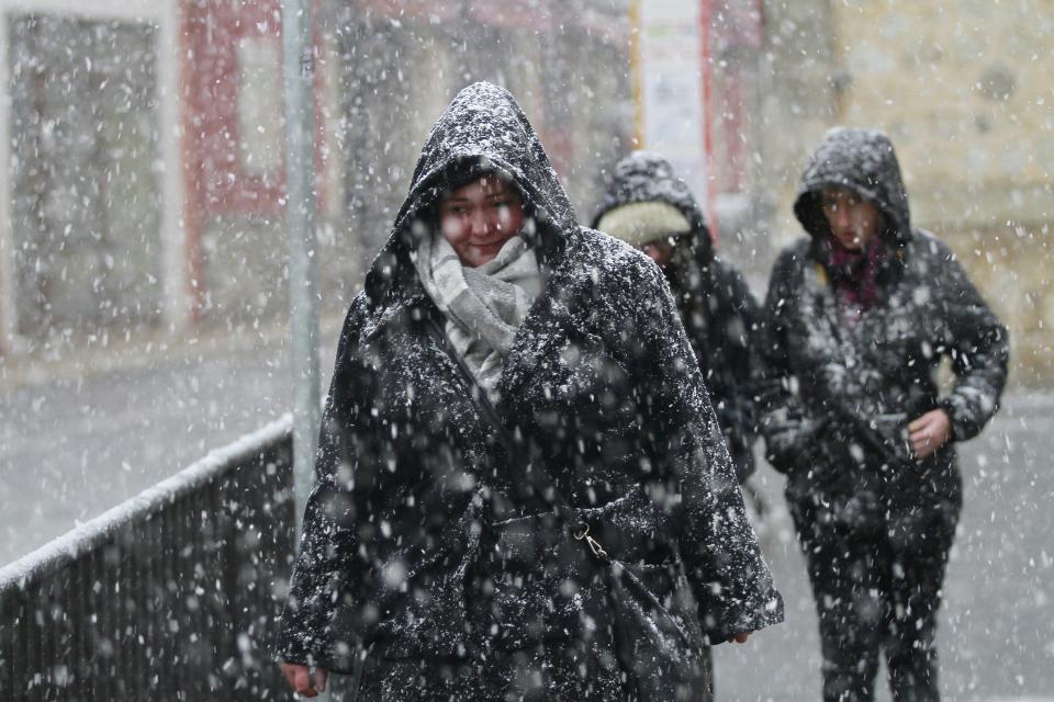 Româncă moartă din cauza frigului, în Spania, în timpul furtunii Gloria. Dormea împreună cu soțul ei într-un parc