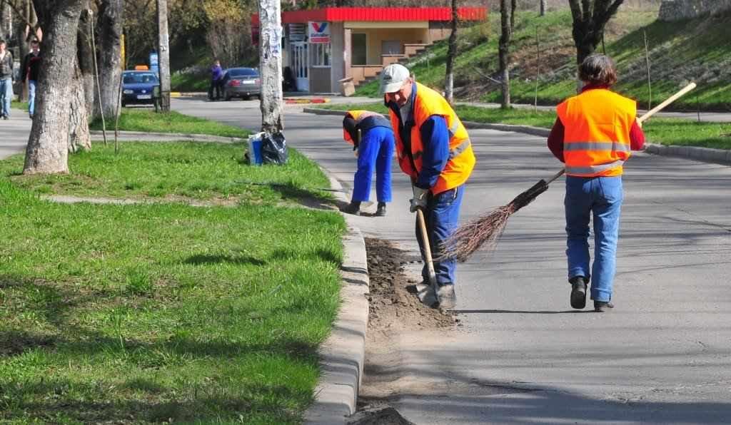 La Arad începe curățenia de primăvară