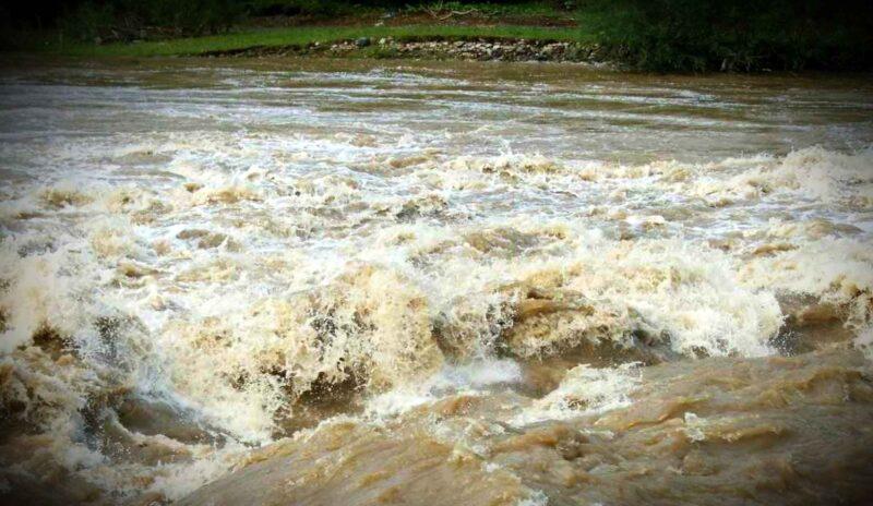 E cod galben de inundații pentru mai multe râuri din Banat