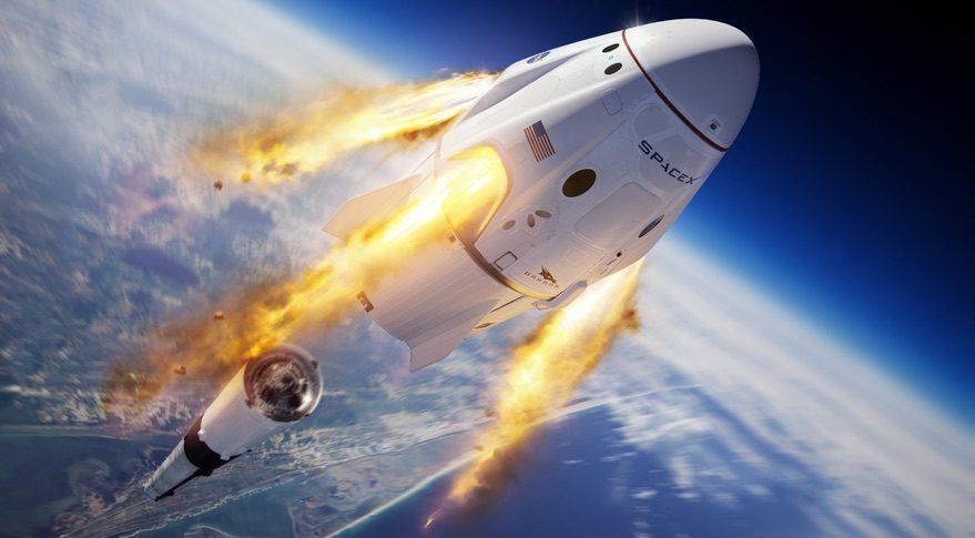 SpaceX anunţă primul transport turistic spaţial din istorie