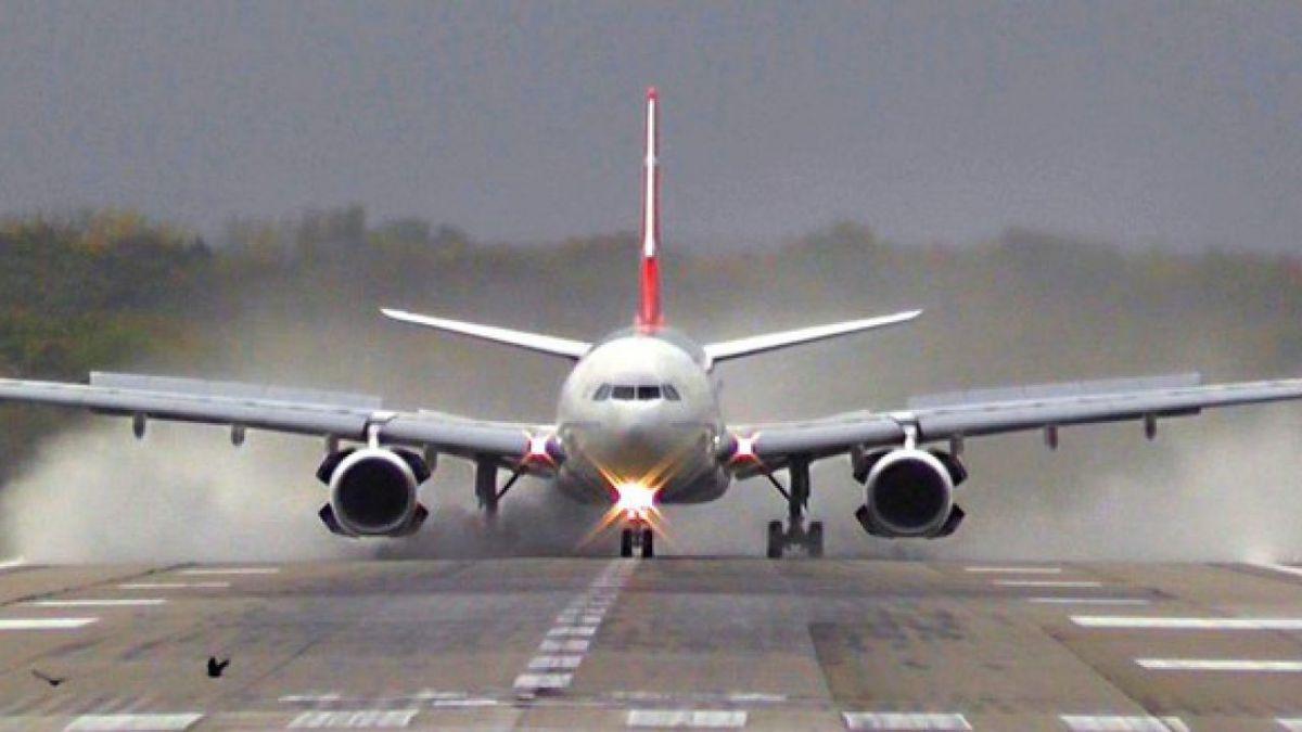 Zborurile către şi dinspre Spania sunt suspendate pentru două săptămâni