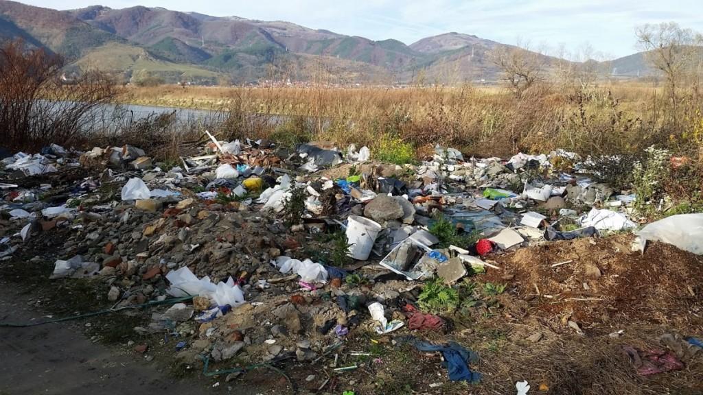 CNAIR: 550 de tone de deşeuri adunate de pe drumurile naţionale şi din parcări
