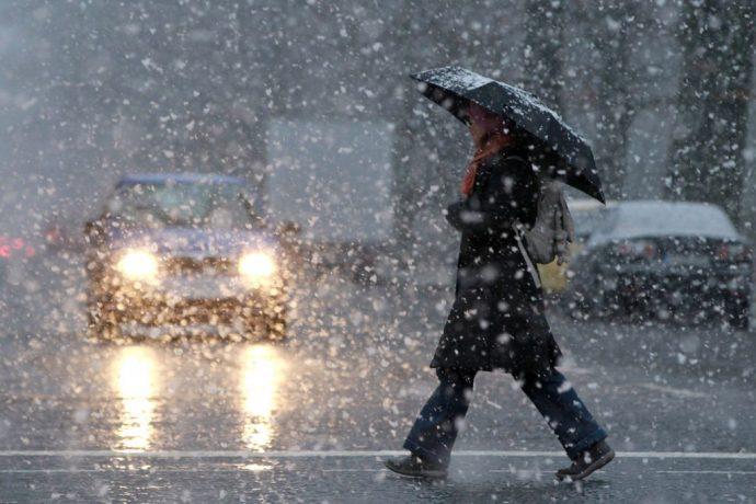 Vreme închisă cu ploi și burniță în vestul țării