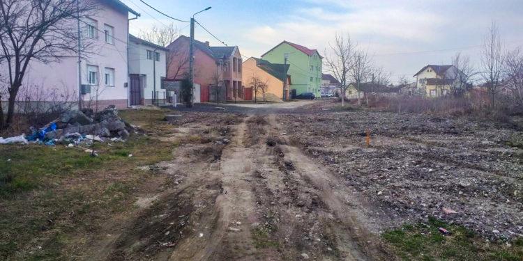 Aruncați în noroi! Locuitorii de pe mai multe străzi din Lugoj plâng după asfalt