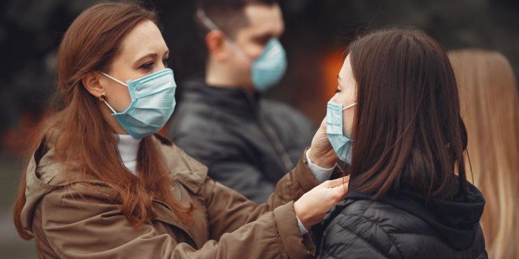 Când nu vom mai fi obligaţi să purtăm mască.