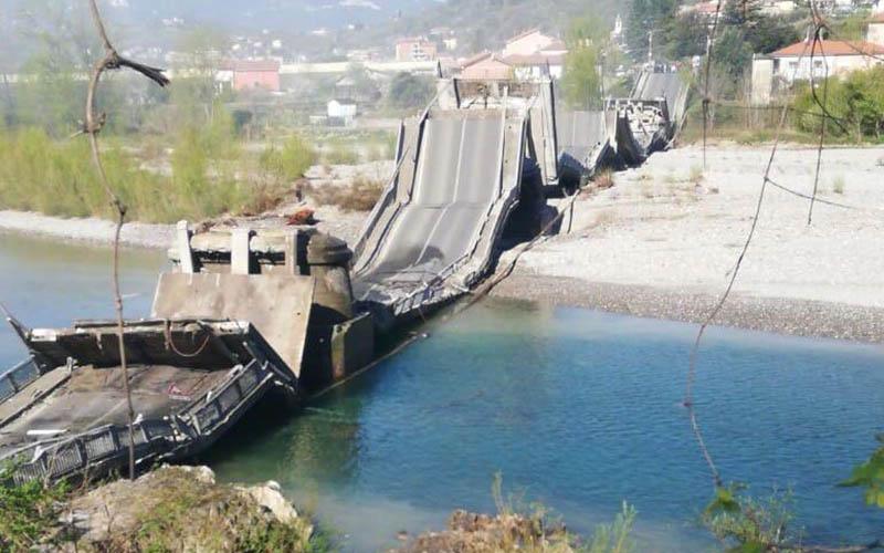 VIDEO – Tragedie REPETATĂ în Italia! Un pod imens S-A PRĂBUȘIT!