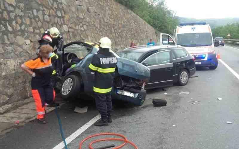 Soţ şi soţie, morţi într-un accident înfiorător, din cauza vitezei excesive!