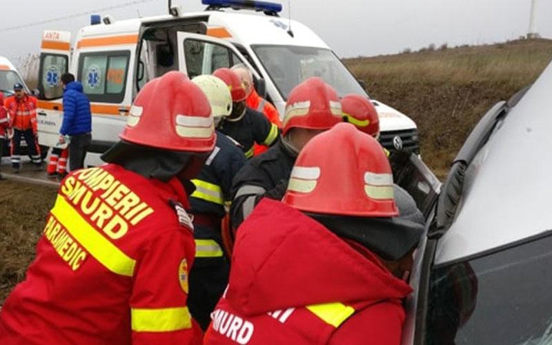 Accident cumplit! O tânără și-a pierdut viața iar alți trei au ajuns la spital