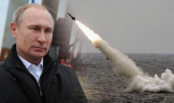 Putin: Marina militară rusă va fi dotată cu arme nucleare hipersonice şi cu drone submarine nucleare