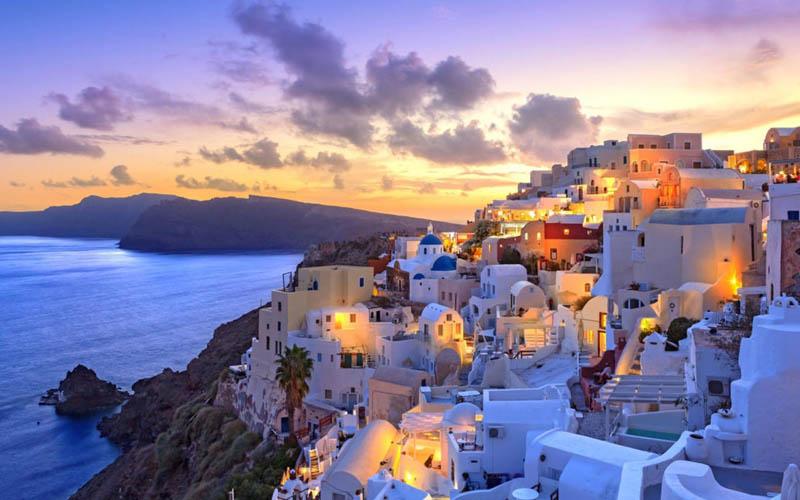 Grecia îşi redeschide graniţele pentru turiști din 16 aprilie.