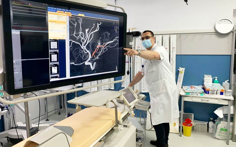 Operație complexă efectuată în premieră la Timișoara unui pacient de 14 ani