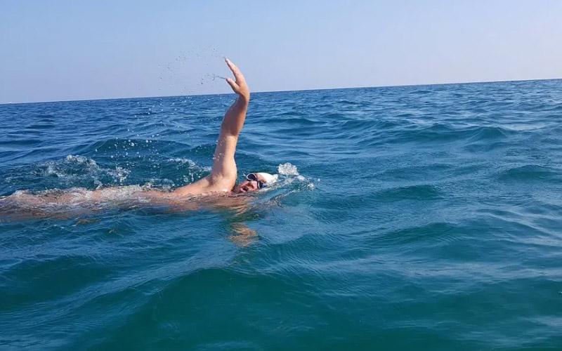 [VIDEO] Primul român care a înotat fără oprire, 24 de ore.