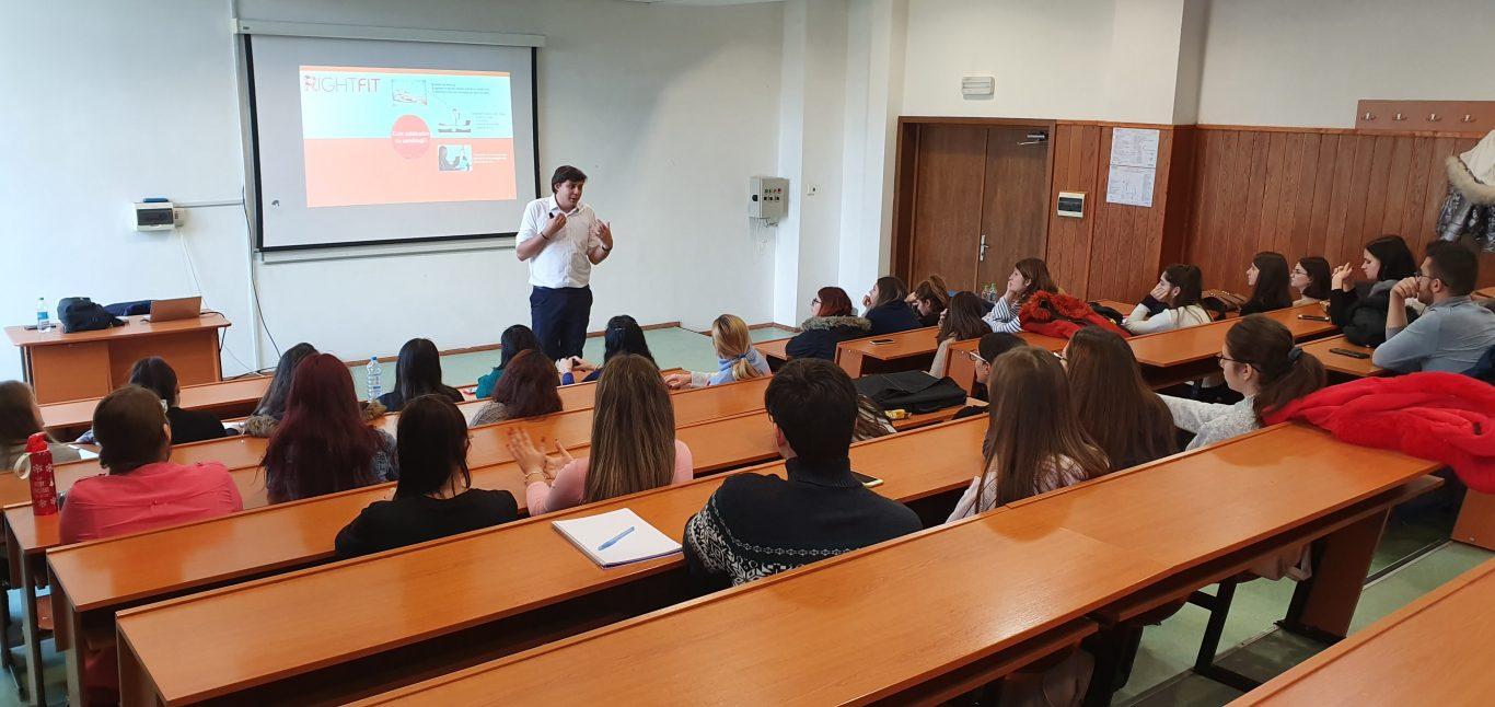 Decizie BOMBĂ în Instanță: școlile se redeschid cu elevii în clase. Cursurile online nu vor fi recunoscute