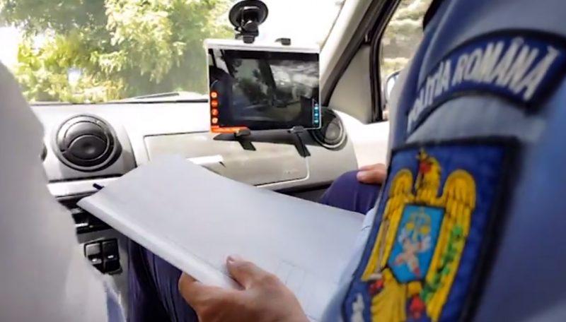 [VIDEO] Un polițist examinator a adormit la proba de traseu la examenul pentru permisul auto