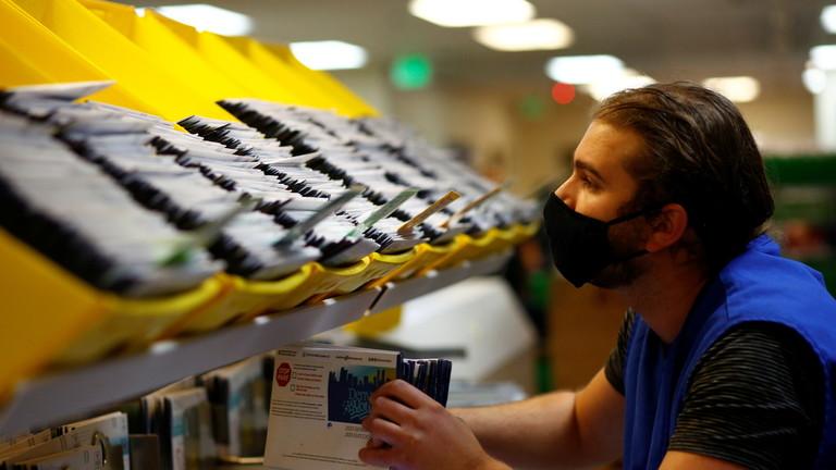 Un judecător american cere Poştei să livreze toate buletinele de vot rămase NENUMĂRATE