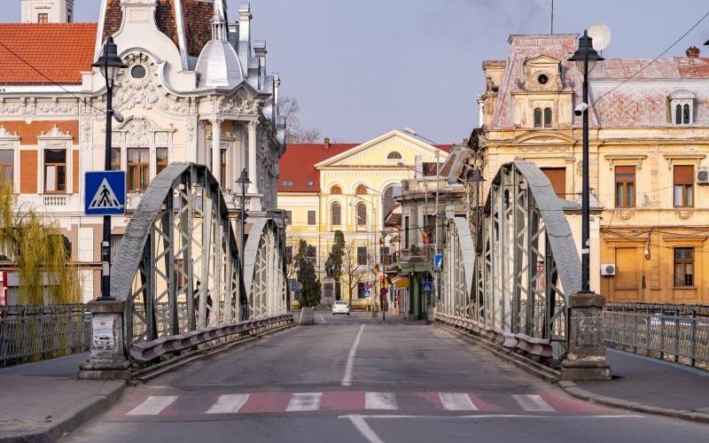 Amenzi uriașe la Lugoj sau chiar demolarea clădirilor.