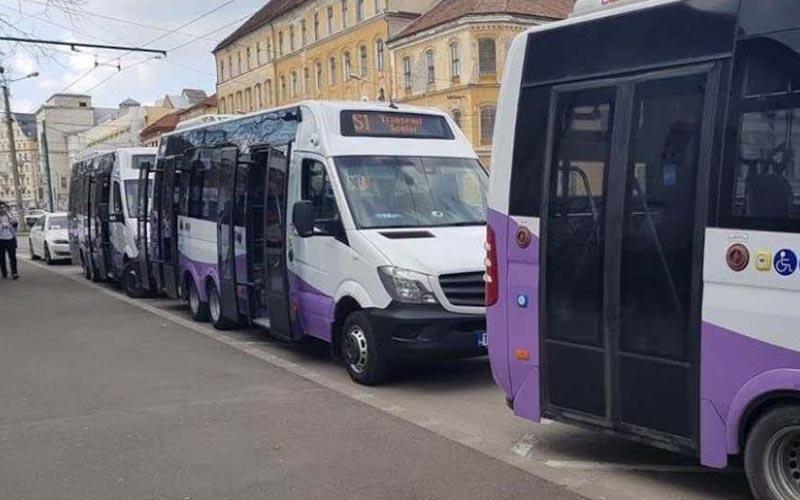 Microbuzele școlare vor putea fi folosite pentru transportul pacienților COVID!