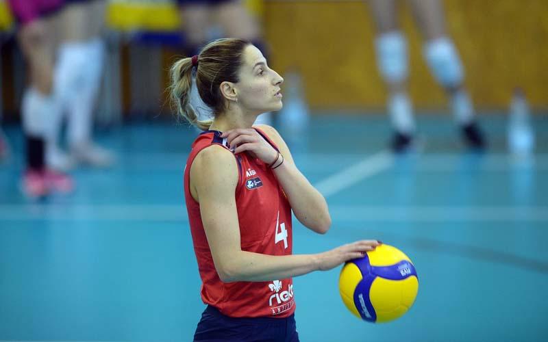 Diana Balintoni căpitanul echipei de volei a CSM Lugoj, a primit titlul de Maestru al Sportului.
