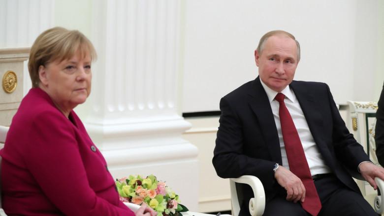 Merkel și Putin, relații tot mai apropiate privind producția de vaccinuri