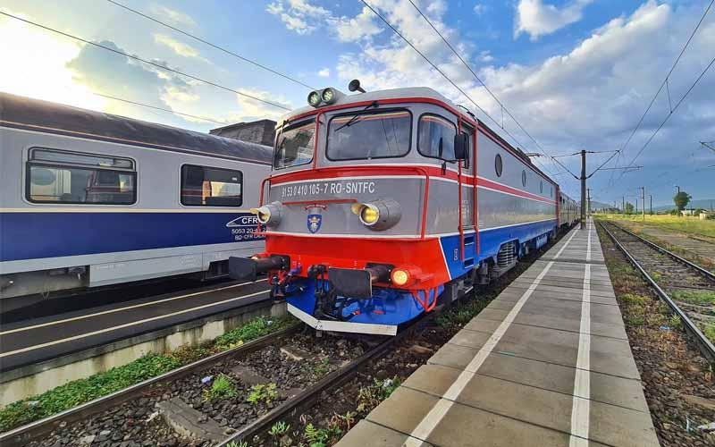 CFR suplimentează numărul de trenuri pentru minivacanţa de 1 Mai şi Paşti