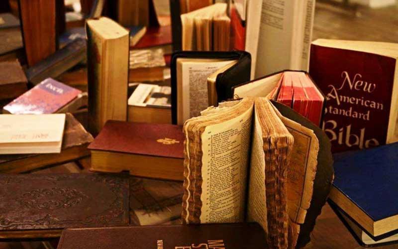 """Expoziția unică în țară """"Muzeul Bibliei"""" ajunge la Jimbolia."""