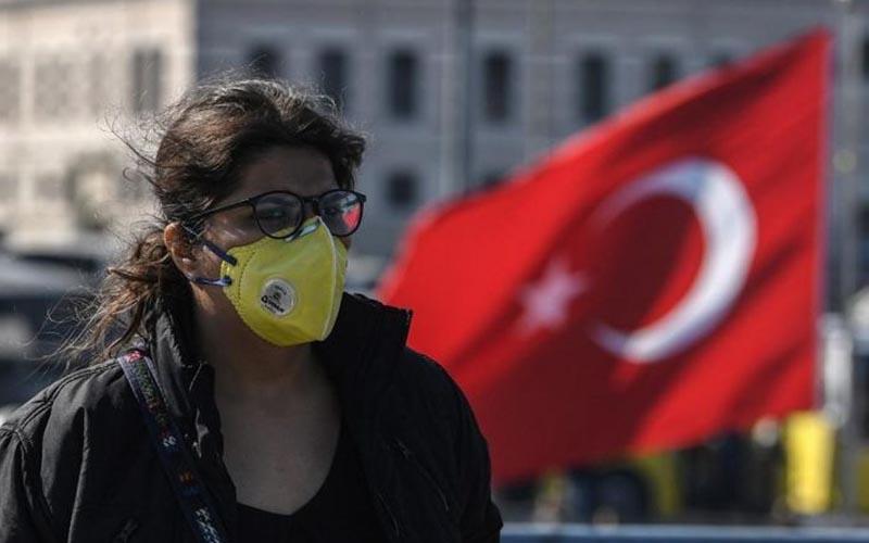 """Turcia intră în primul """"lockdown"""" total de la începutul pandemiei"""