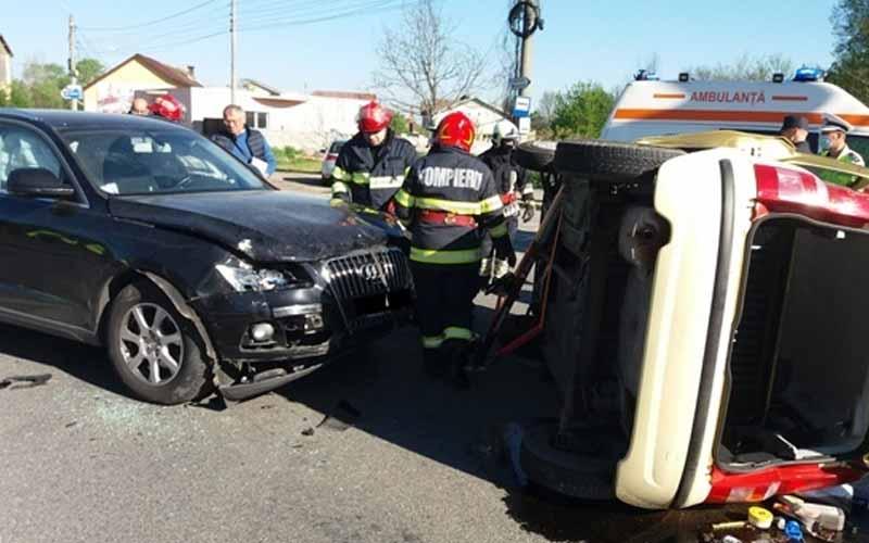 Accidente în vestul țării. Două victime și un TIR răsturnat la Obreja!