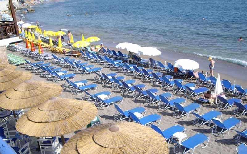 Deschiderea sezonului estival, la 1 mai, a adus câteva mii de turişti în staţiunile de pe litoral.