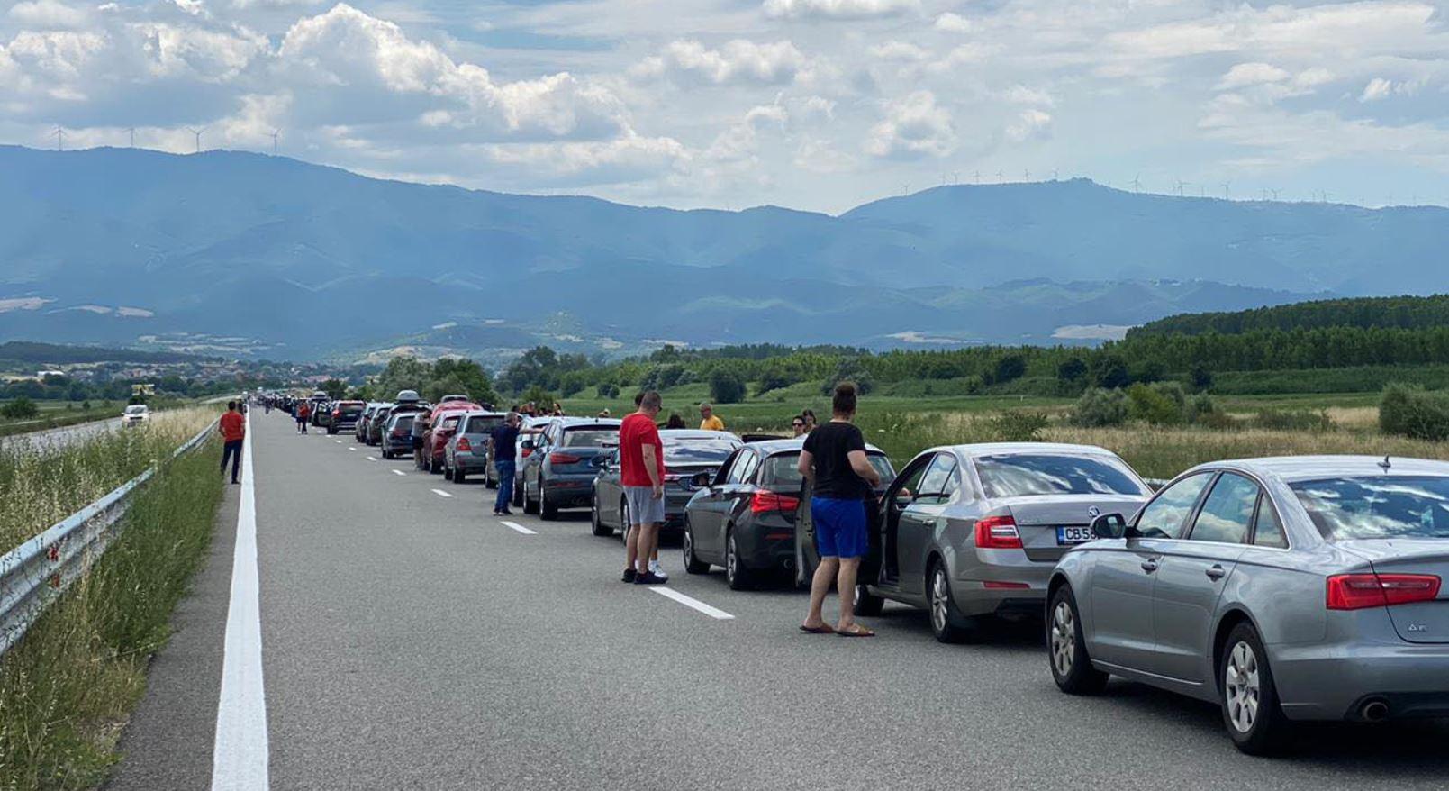 Mergeți cu mașina în Grecia ? Veți fi testați obligatoriu anti-Covid de la 1 iulie, chiar dacă sunteți vaccinați.