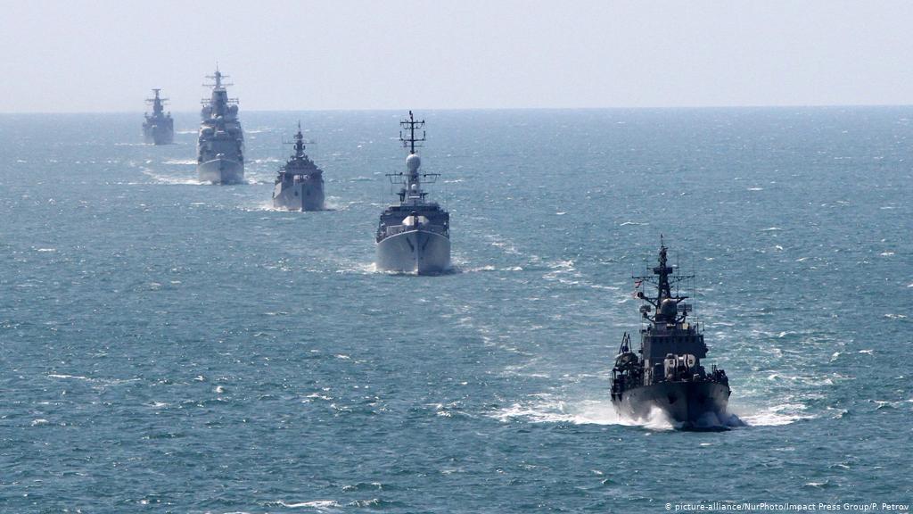Alertă la Marea Neagră! Ruşii au lansat patru bombe asupra unui distrugător britanic