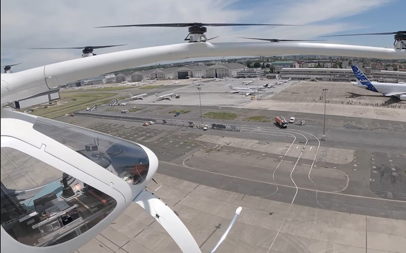 [VIDEO] Taxiul zburător al Volocopter, primul zbor la un show aviatic pe un aeroport francez.