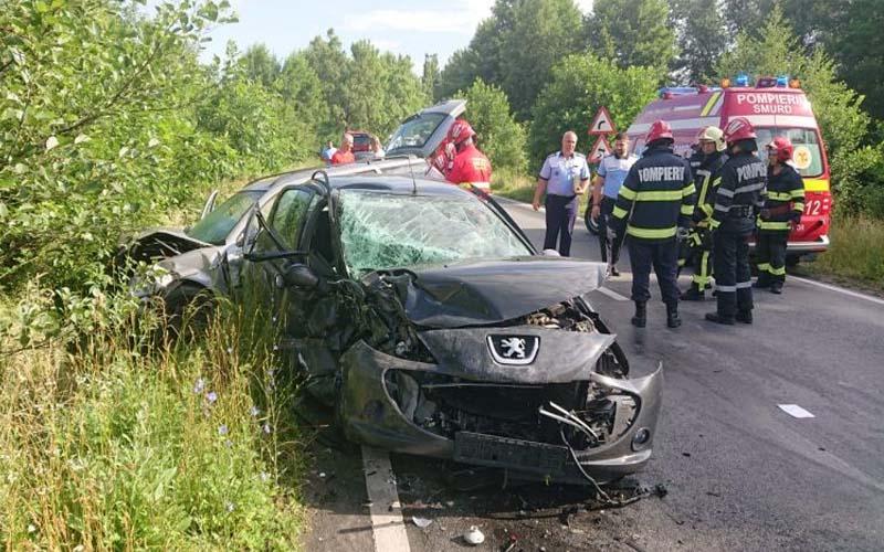 Accident cu trei victime pe o șosea din vestul țării