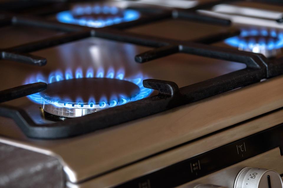 """UE va valida """"măsurile temporare"""" din partea statelor împotriva prețurilor la energie"""